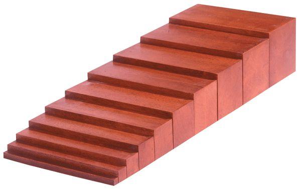 Montessori Braune Treppe